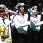 На торжественном открытии памятника русским морякам в Мессине также присутствовали: отряд российских моряков, официальные российские и итальянские лица.