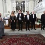 Генконсул России в Палермо приветствует жителей Корлеоне, собравшихся в главном храме города