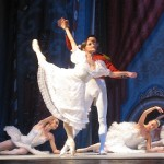 Солисты – Анна Иванова и Александр Аликин — хорошо знакомы сицилийской публике и завоевали признание как среди итальянских любителей балета, так и среди наших соотечественников