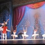 Местная публика высоко ценит, что в основе мастерства солистов и труппы в целом – традиции классической школы русского балета