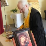 Отец Ермоген точно, по-монастырски, читал все молитвы и, совершая исповедь, по-отечески давал важные советы и наставления для спасения души