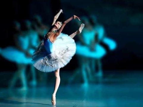 22 и 23 апреля в театре Политеама по просьбе Генерального консульства России в Палермо и при содействии Департамента культуры Муниципалитета Палермо маэстро Гедиминас Таранда даст мастер-классы классического балета для профессиональных танцоров