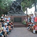 Цветами и торжественной линейкой юных посланцев Республики Северная Осетия — Алания отметили День Военно-морского флота России в Мессине.
